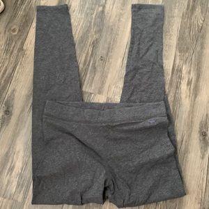 Gray cotton leggings